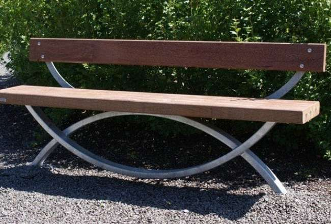 Thors Oftal with backrest - the perfect garden bench