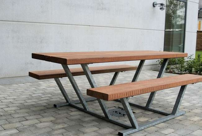 Thors Pallas bench at 200cm
