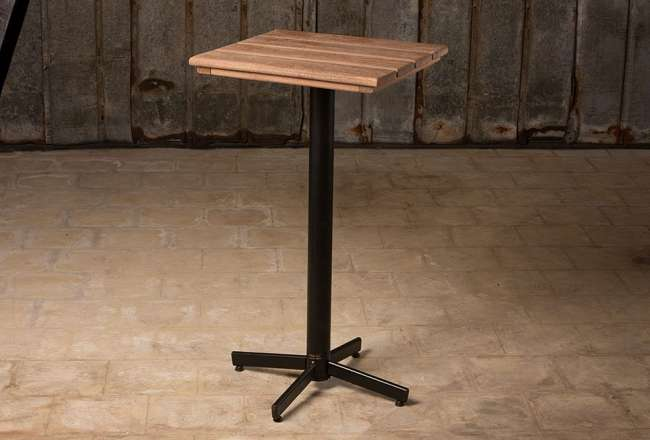 Café table with self-adjusting legs