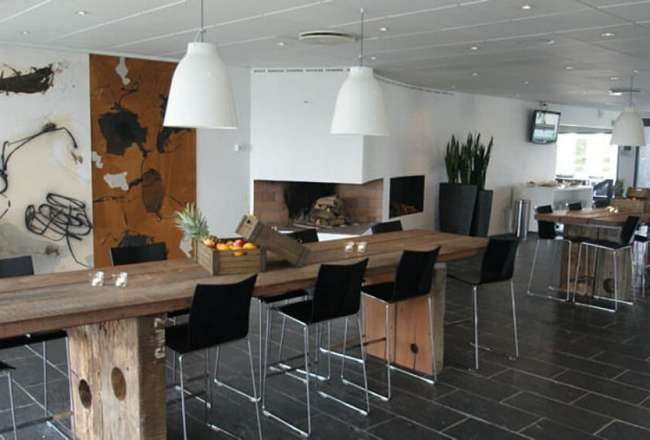Thors Design Gaia Epi plank table at Comwell Hotel