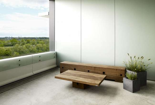 Thors Design Gamma bench and coffee table – DSV Headquarters