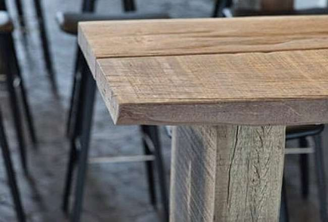 Thors Sif high table with rustic details