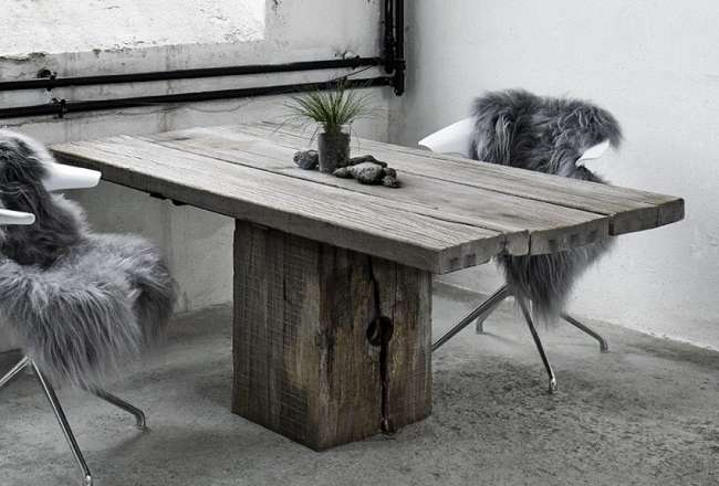Thors Gaia plank table with a rustic surface