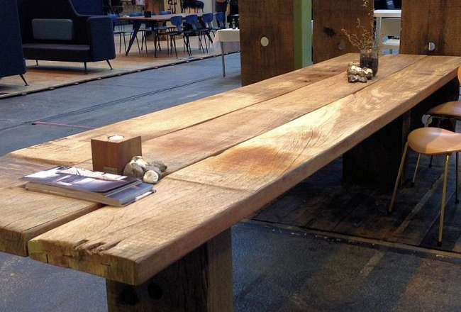 Thors Gaia plank table with a rustic surface (medium)