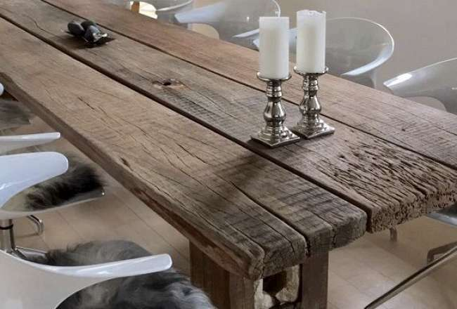 Thors Gaia plank table with a rustic surface (Large)