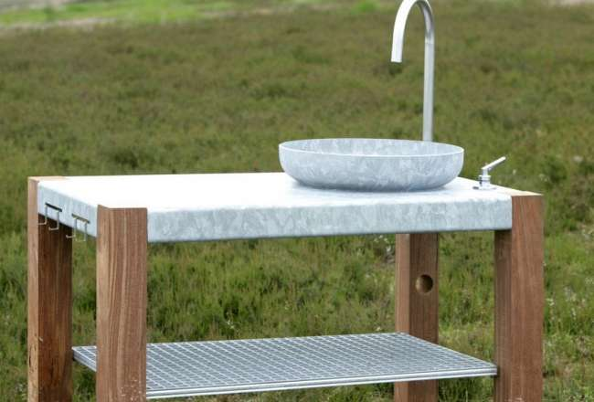 Savra outdoor kitchen with sink and shelf