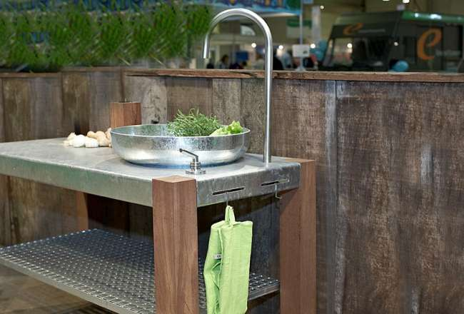 Thors Savra outdoor kitchen with sink and shelf - custommade for you