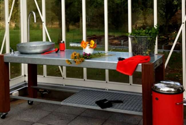 Thors Savra outdoor kitchen with sink and shelf in a private home