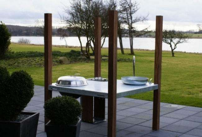 Thors Savra island outdoor kitchen with sea view