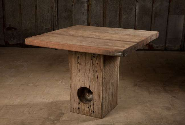 Thors Idun plank table with a rustic surface (small)