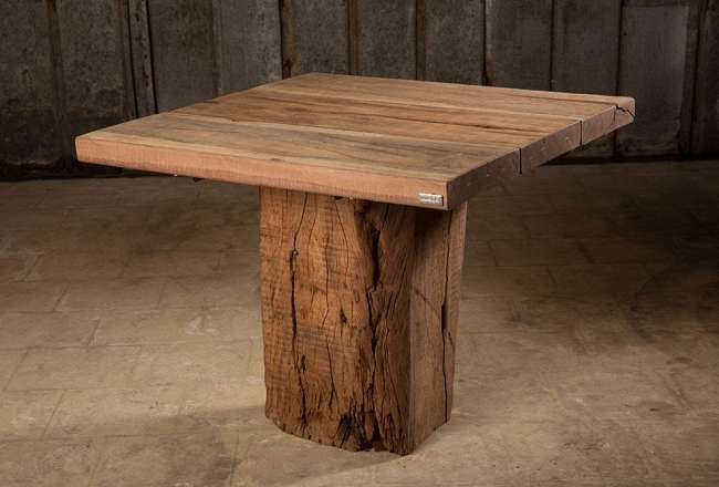 Thors Idun plank table with a rustic surface 90x90cm (medium)
