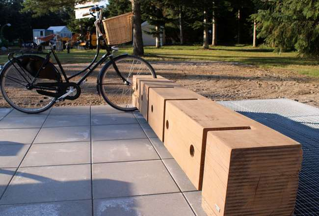Thors Gamma bike rack made of recycled wood