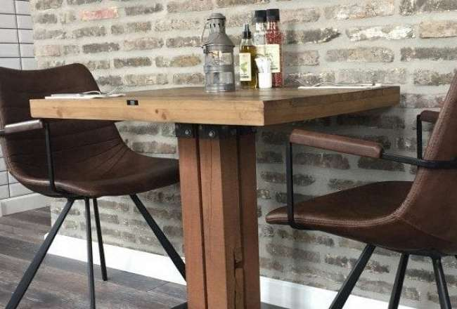 Thors Cafe table with kvatro leg
