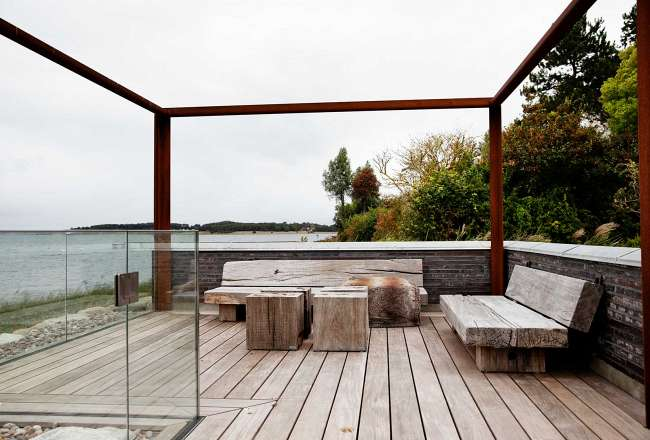 Private terrace with Thors Design Slinger sofa and Cubes as table