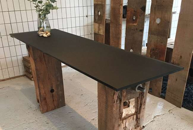 Thors Sif Glass table with black table top 60 x 200cm
