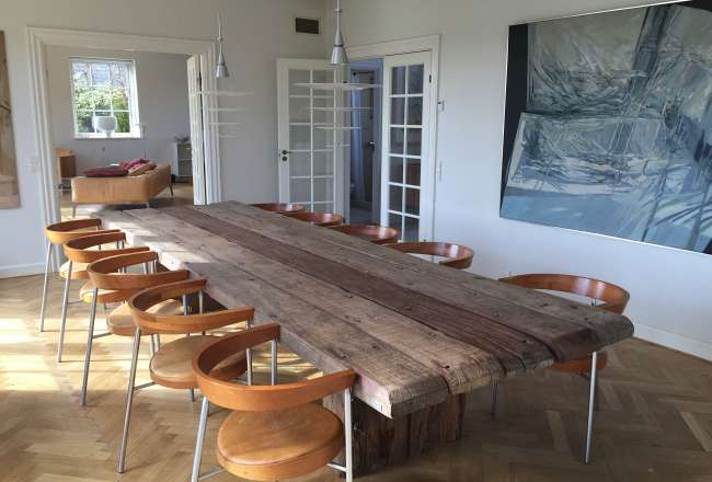Uniq plank table in a private home | Thors Design
